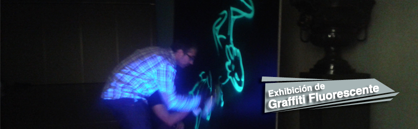Graffiti-fluorescente-en-evento1